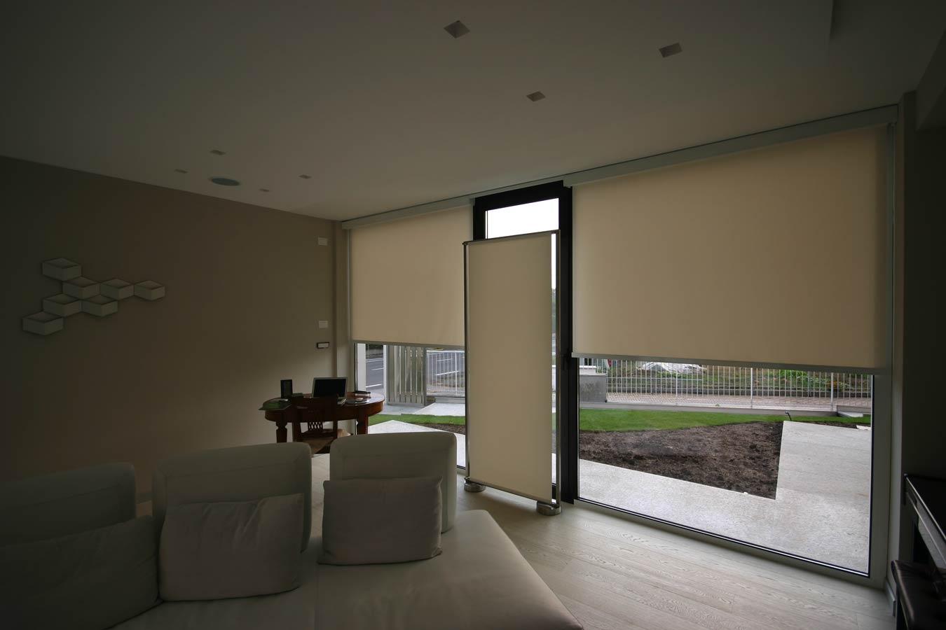 Tende per finestre oblique for Tende oscuranti a rullo ikea